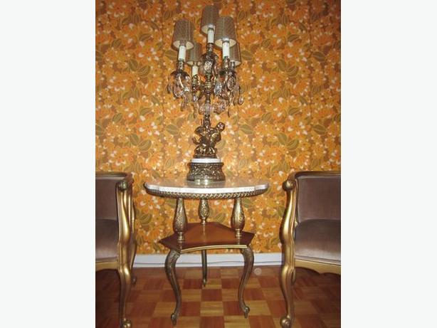 Cherub Lamp Marble Table 2 Chairs