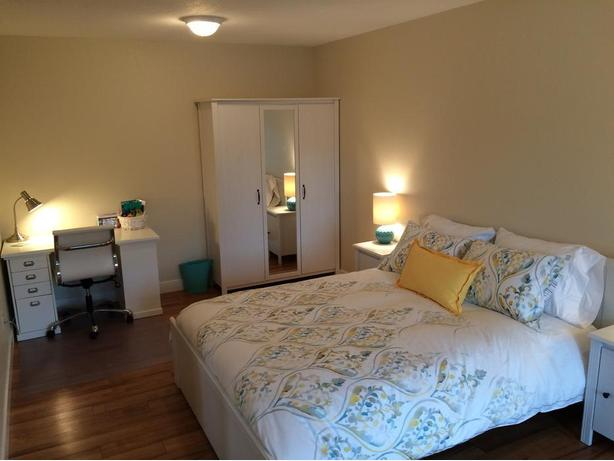 Large, Beautifully Furnished Room for Rent