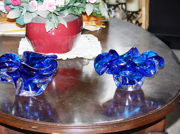 CHALET BLUE BOWL ART GLASS