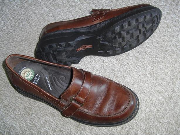 Earth Shoes (Ladies' Size 10)