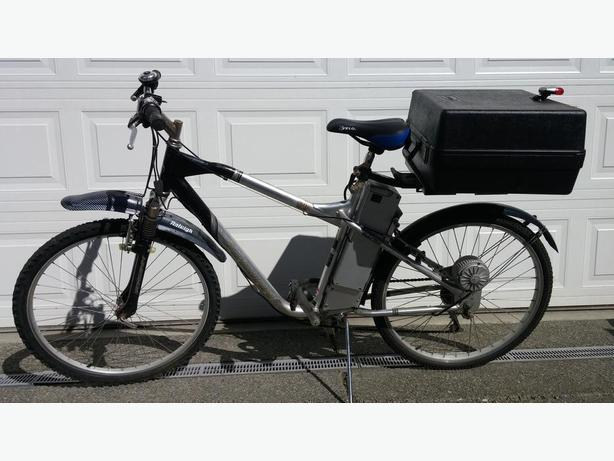 Older e-bike by Schwinn