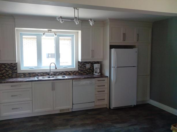 Two Bedroom Apt. Near Vanier Parkway available Nov. 1st