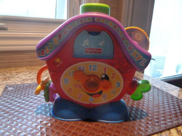Fisher-Price Laugh & Learn Peek-a-Boo Cuckoo
