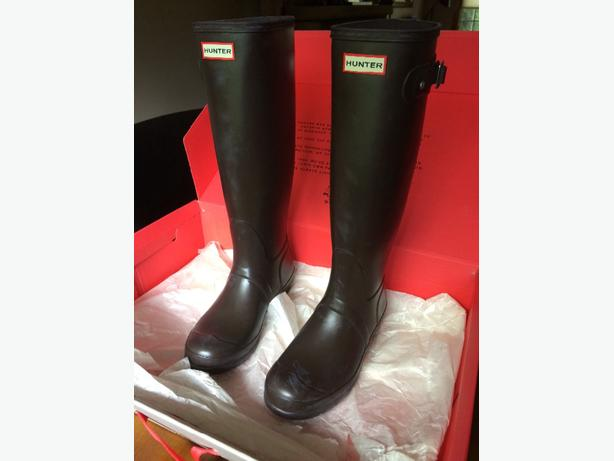 Hunter boots - brand new!