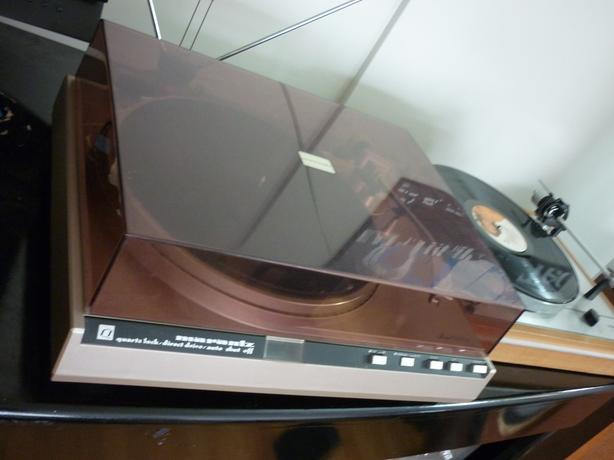 TOP OF LINE MARANTZ 6270Q TURNTABLE