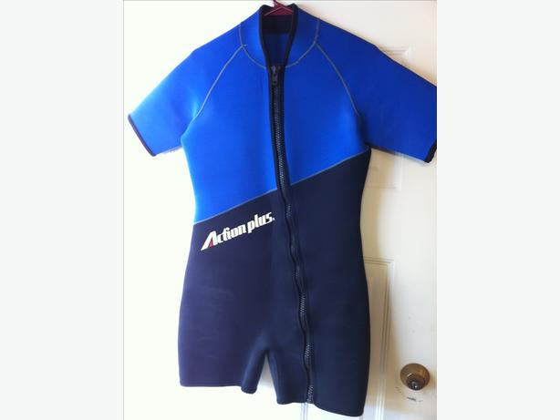 WET SUIT THICK GUAGE SHORTY STYLE SIZE MEDIUM
