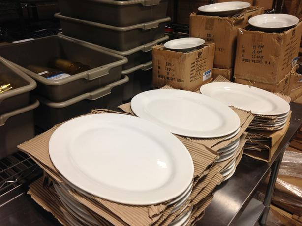 Matching Plates & Platters Clearout!