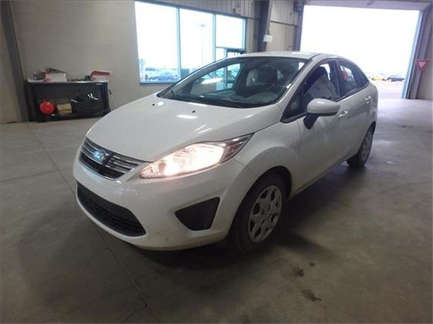 2013 Ford Fiesta SE*Under 10,000 kms!