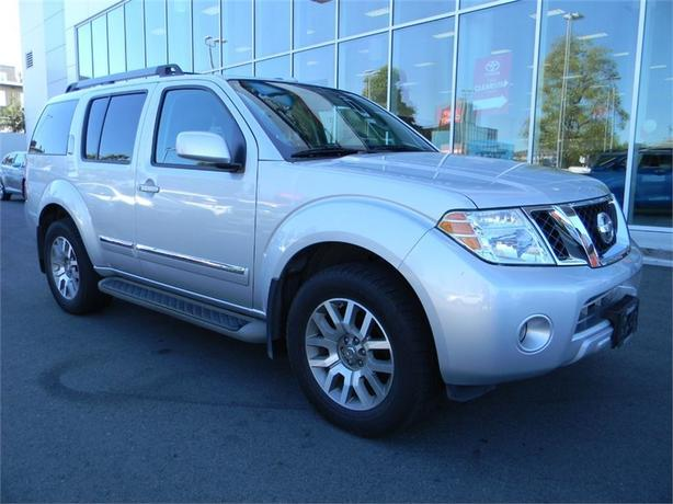 2011 Nissan Pathfinder LE NO ACCIDENTS LOCAL VICTORIA ONE OWNER