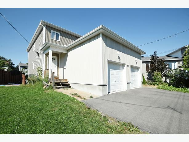 TURN KEY DUPLEX WITH 3 SELF CONTAINED UNITS IN CHATEAUNEUF!