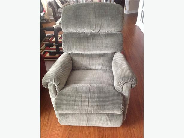 LAZYBOY  RECLINER REDUCED FROM $250