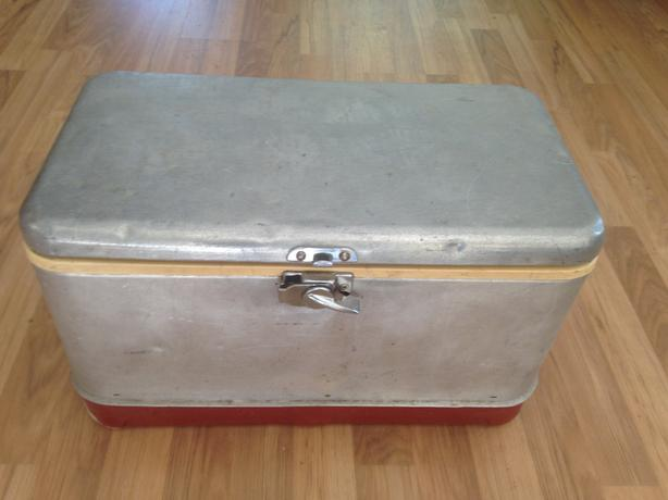 OBO - retro Thermos Ice Chest