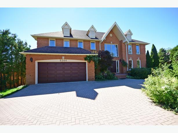 Lovely Family Home in Mississauga!