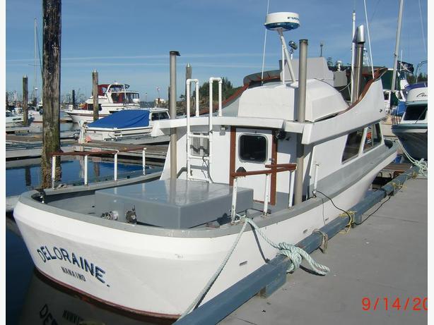 1980 Farrell 30' Trawler