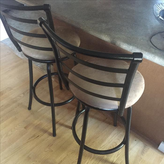 2 Almost New Bar Stools West Shore Langford Colwood