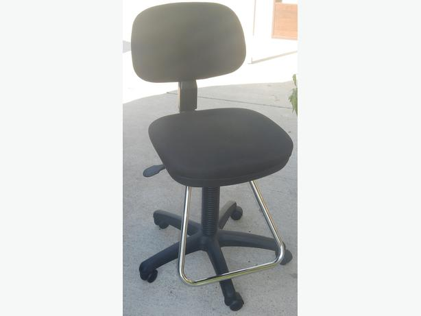 Desk/Drafting chair