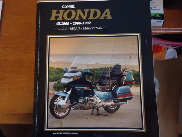 Service repair book for Honda Gold wing 1500