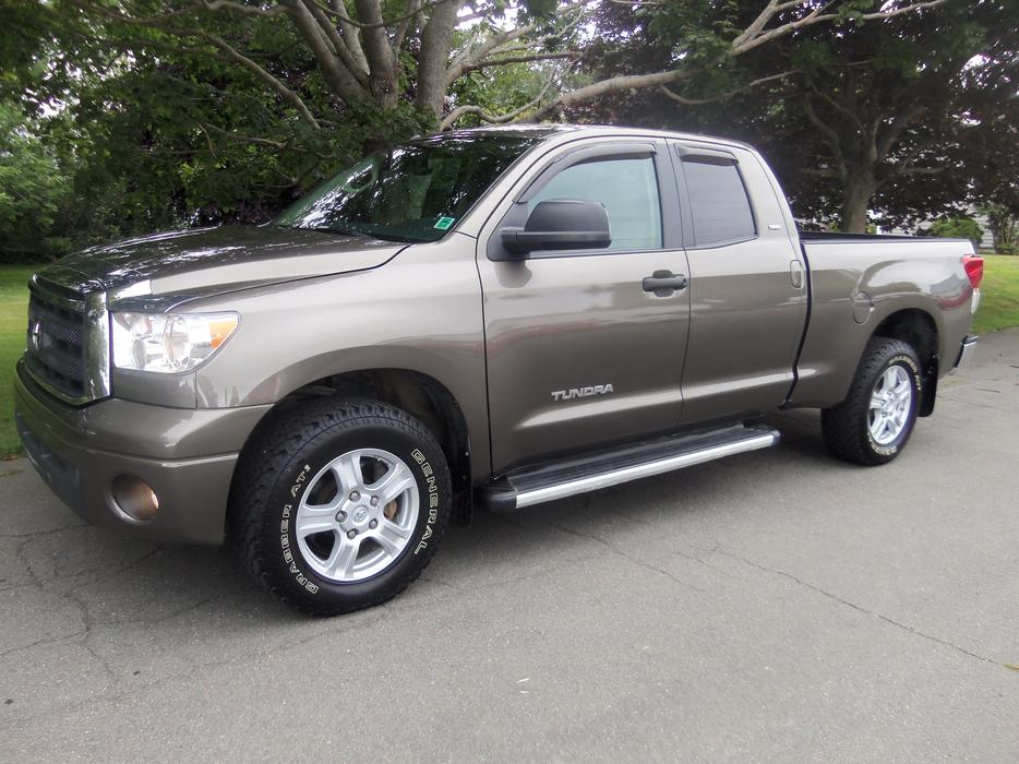 2012 toyota tundra double cab sr 5 4x4 only 42 000 kms summerside pei mobile. Black Bedroom Furniture Sets. Home Design Ideas