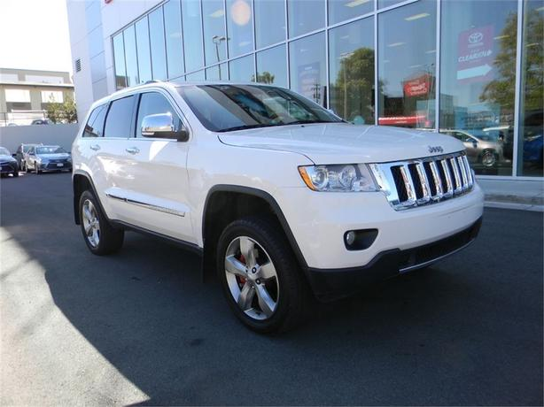 2011 Jeep Grand Cherokee Overland NAVIGATION NO ACCIDENTS LOCAL B.C.
