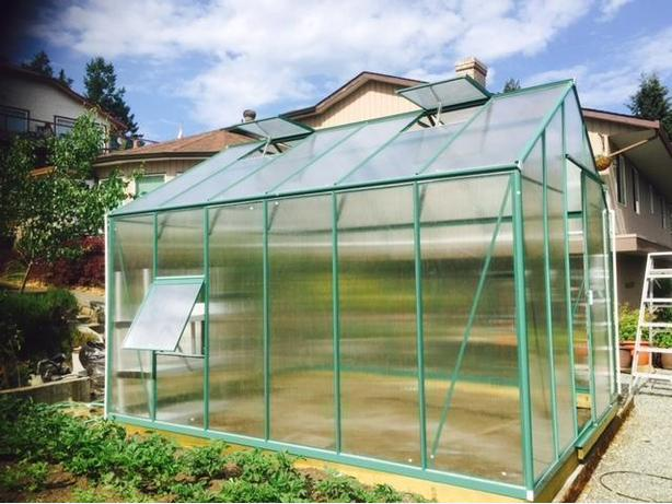 Brand New Aluminum Polycarbonate Greenhouse.