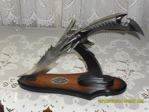 Gil Hibben Collecter 2002 Special Edition Tiger Shark knife