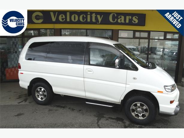 2001 Mitsubishi Delica Space Gear 4WD 118K's 4WD 8-seater Highroof