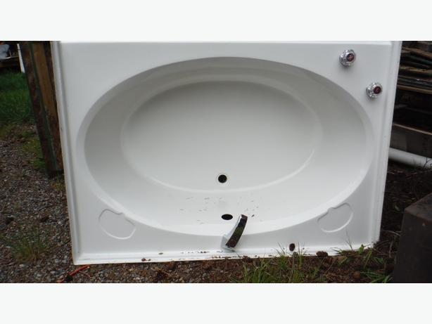 Bathroom Tub  OVAL