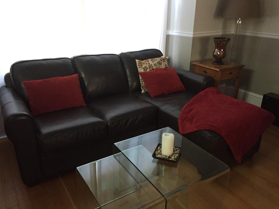 Leather sofa with chaise Victoria City Victoria : 55259198934 from www.usedvictoria.com size 934 x 700 jpeg 47kB