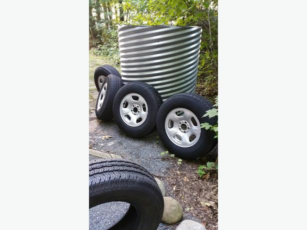 4 Jeep wheels with Goodyear tires size 225-75-16