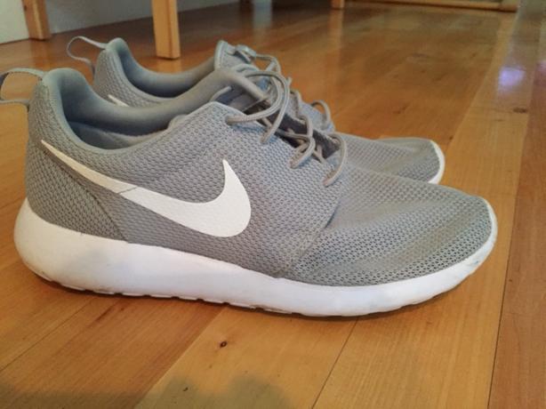 Mens Nike Roshe - Size 13