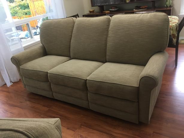 New Lazy Boy (Addison model) Recliner Sofa.
