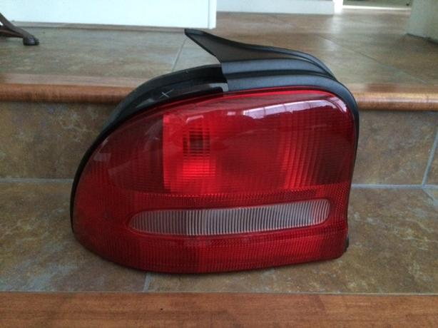 1995-1999 Dodge Neon Driver Side Tail Light Assembly (New)