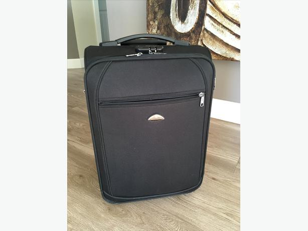 High quality carry on luggage - Montagut