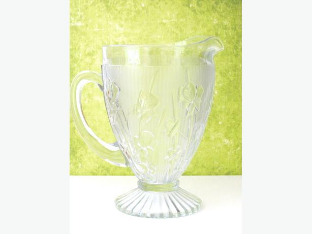 Vintage Jeannette Glass Iris and Herringbone Pitcher