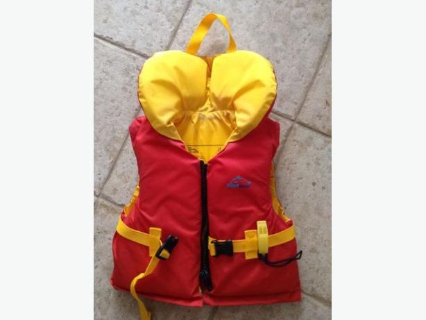 Aquagear Child Life Vest Personal Flotation Device