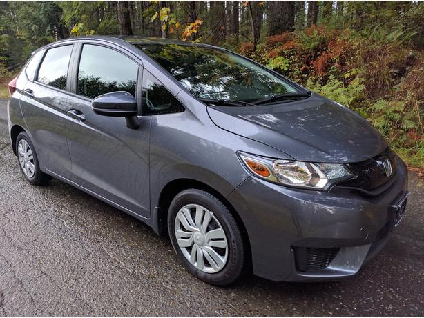 2016 Honda Fit LX | DEMO! | YOU CAN FIT LOTS OF STUFF IN HERE!