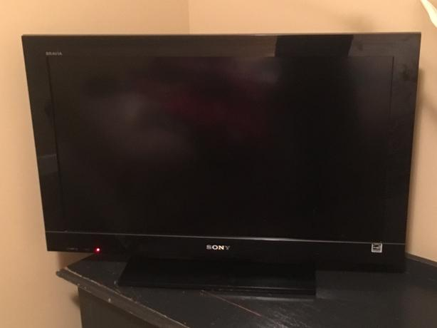 Sony 32' Flat screen TV