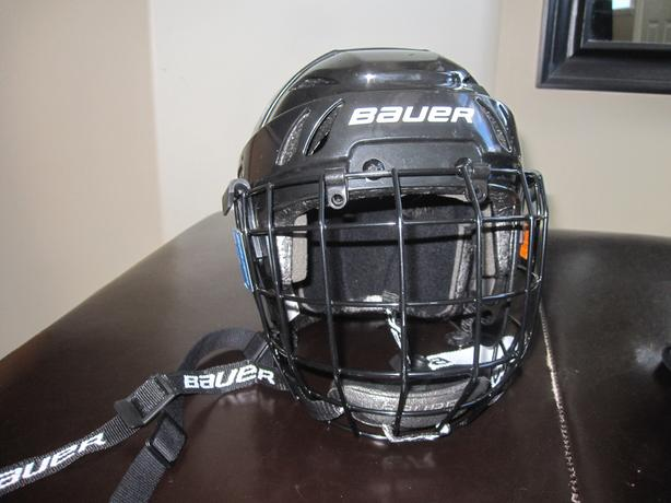 Kids Bauer M-10 Hockey Helmet