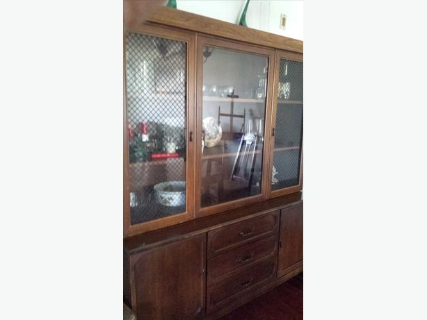 display cabinet and drawer set