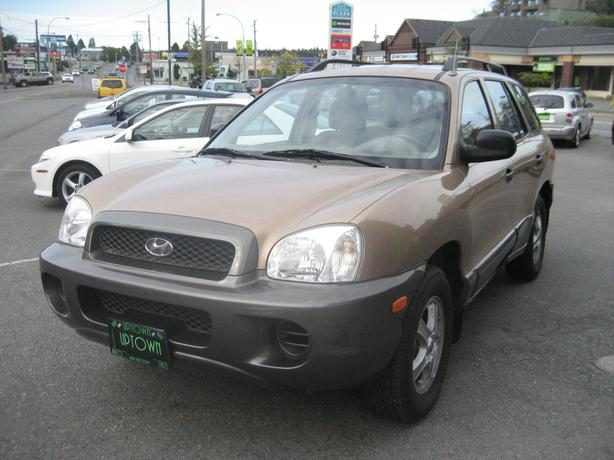 2002 Sante Fe- Rare front wheel drive-5 speed-ONLY 146k