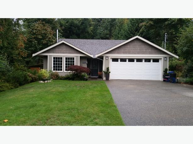 Beautiful 3 bedroom 2.5 bath home on .43 of an Acre