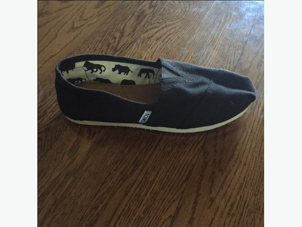 Toms Shoes (never worn)
