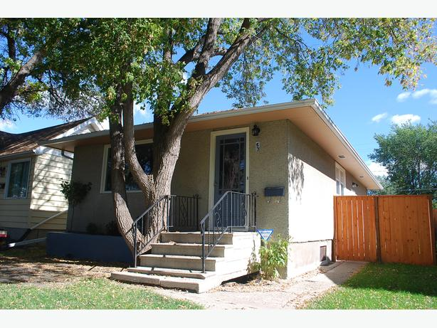 Updated and Solid 3 Bedroom Bungalow in Regina's Highland Park