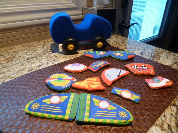 Design your race car or airplane by Manhattan Baby toy