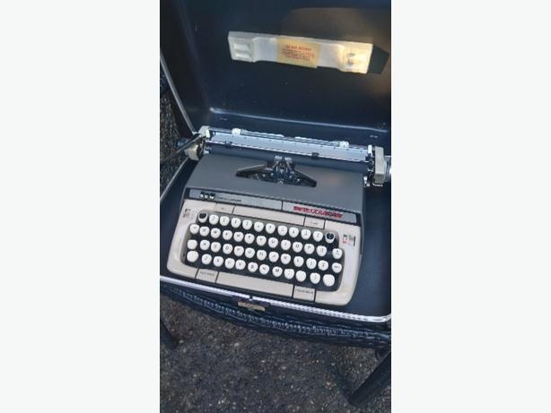 Smith Corona Manual Type~writer
