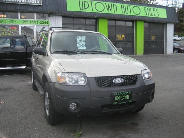 **REDUCED**2006 Ford Escape XLT-4 wheel Drive- ONLY 147926 Km's.