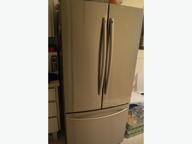 Brand New Samsung Fridge RF220NCTASR/AA MUST GO !!!