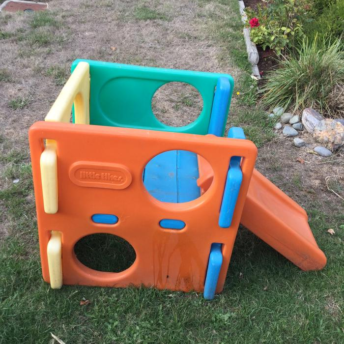 FREE little tikes toddler slide Saanich, Victoria -> Kuchnia Drewniana Little Tikes