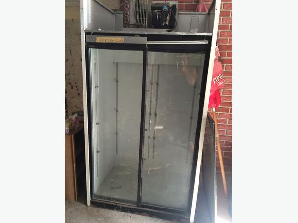 Industrial sliding door fridge