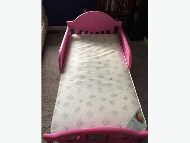 toddler bed(girl)